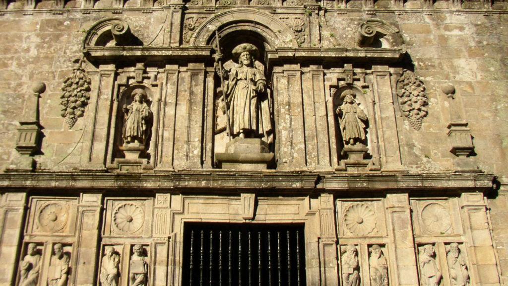 curiosidades-sobre-la-puerta-santa-de-la-catedral-de-santiago-1920.jpg